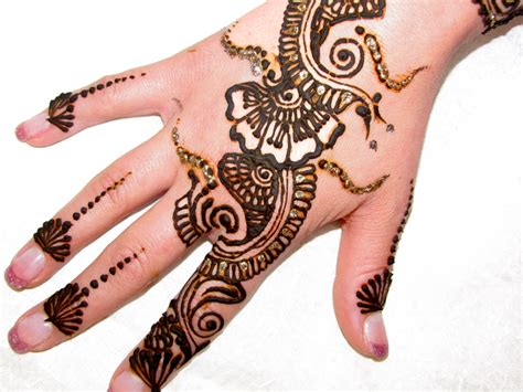 henna tattoo on right hand henna images designs
