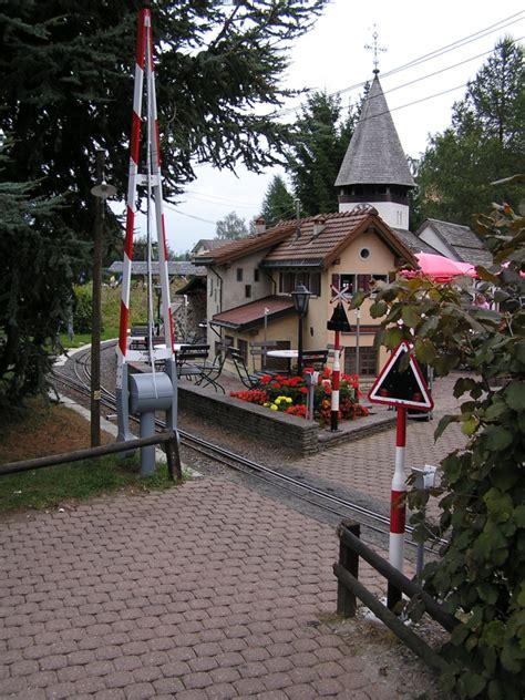 eingang französisch swiss vapeur park in der schweiz forum des gartenbahn