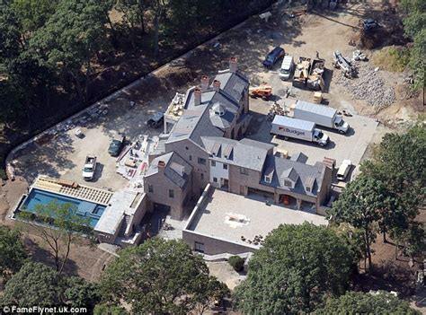 tom brady house brookline ma fit for a king and queen gisele bundchen and tom brady prepare to move into new home