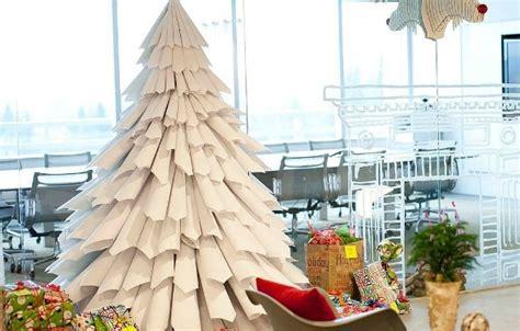 membuat pohon natal dari ranting diy cara membuat pohon natal dari koran bekas mudah dan