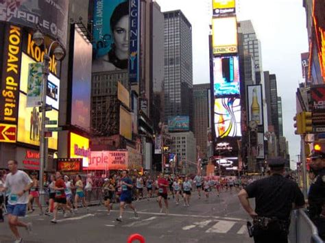 jump into the light new york ny 10002 2017 united airlines new york city half marathon in new