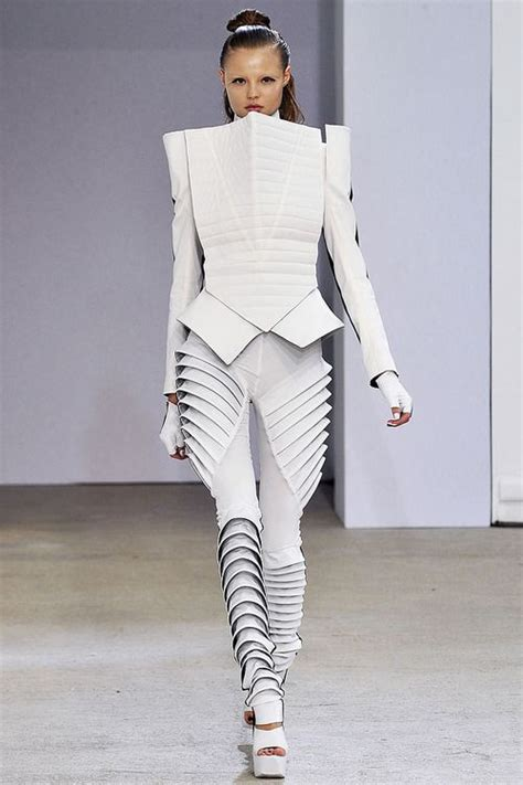 futuristic style 1 interpretations garments robot fashion pinterest