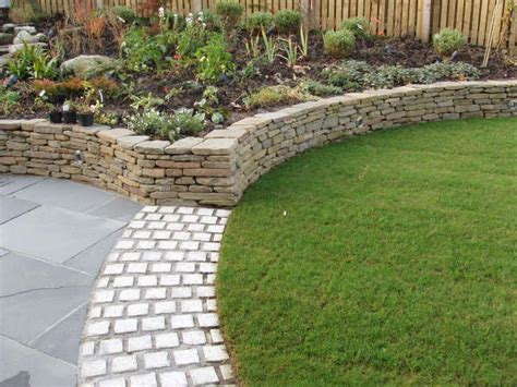 Curved Garden Wall Thornliebank Curved Retaining Walls Lights And Water