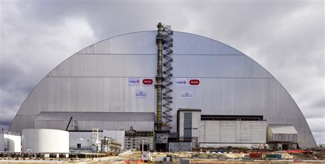 containment   chernobyl reactor   shape