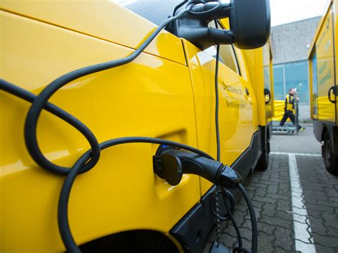 Electric Vehicles For Industry Canada S Industry Ponders Its Fate As The Threat Of