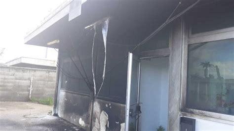 ufficio dogane firenze gela attentato incendiario contro l agenzia delle dogane