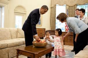 some of the best pictures of president obama with children
