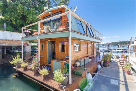 boat houses to rent friday harbor floating home otter magic 499 000