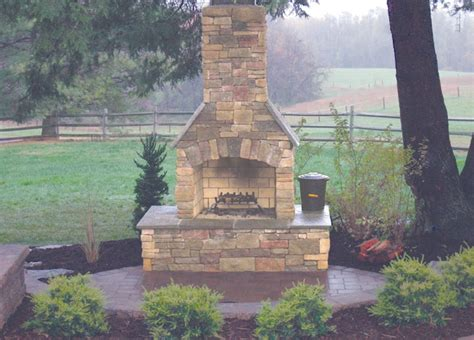 Age Outdoor Fireplace by 133 Best Fireplaces Images On