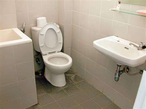 desain kamar mandi eksklusif model desain kamar mandi sederhana modern model rumah modern