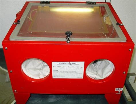 central pneumatic blast cabinet central pneumatic abrasive sand blast cabinet and light ebay