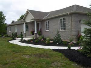 Ranch Style Bungalow by Country Ranch Style Bungalow On 4 75 Acres In Welland