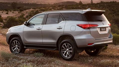 toyota fortuner 2016 toyota fortuner crusade review road test carsguide