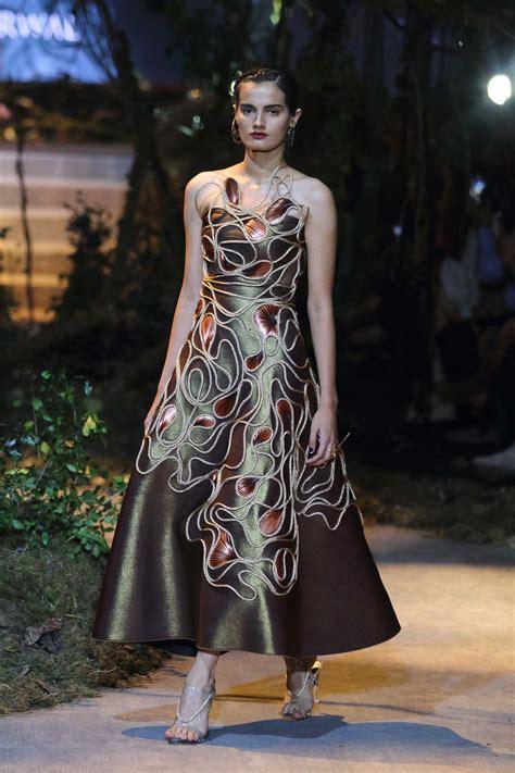 beauty tips fashion shows latest trends mojeh magazine tarun tahiliani and amit aggarwal at amazon india fashion