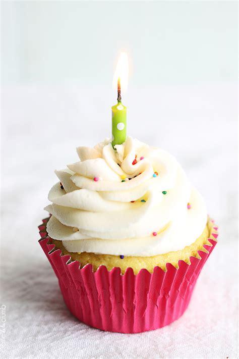 birthday cake cupcakes creme de la crumb