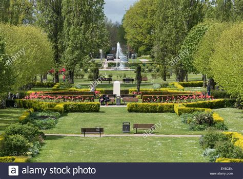 houses to buy in welwyn garden city england hertfordshire welwyn garden city howardsgate gardens stock photo royalty