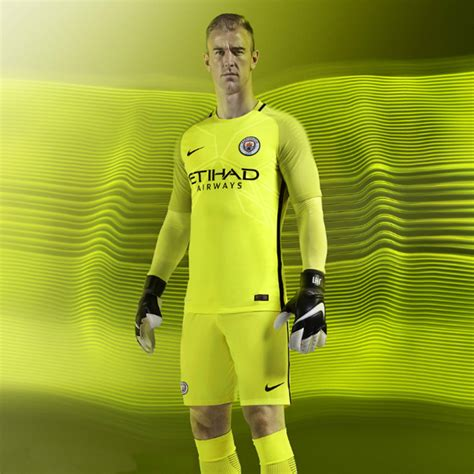 Kaos Manchester City Fc by Manchester City Unveil 2016 17 Home Jersey Soccer365