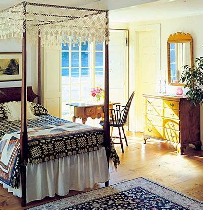 Colonial Bedroom by Eye For Design Decorating Colonial Primitive Bedrooms