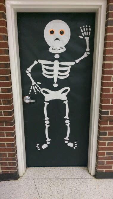 decoracion nevera halloween skeleton halloween classroom door decoration bulletin