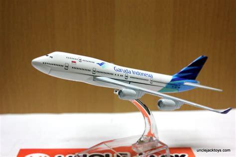 Miniatur Pesawat Bombardier Garuda Indonesia 1 jual miniatur pesawat garuda indonesia jumbo jet toys