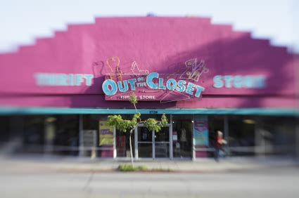Out Of The Closet South Pasadena by Out Of The Closet Thrift Does For Charity But Doesn