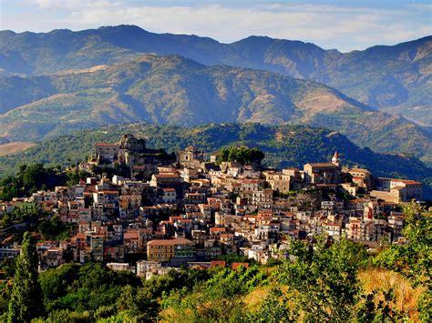 di sicilia castiglione di sicilia a typical sicilian town with