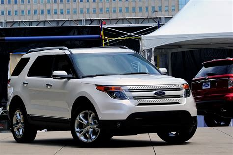 2011 Ford Explorer by Carscoop 2011 Ford Explorer New Footage And Photos