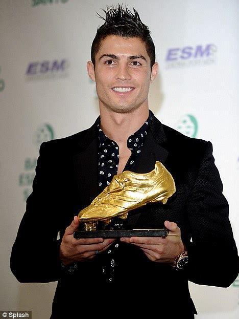 Sepatu Anak Boot Ring cr7 donasikan sepatu emasnya untuk anak anak di gaza