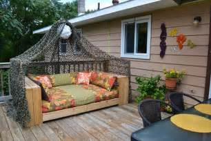 patio daybeds 6 diy charming pallet daybed ideas 101 pallets