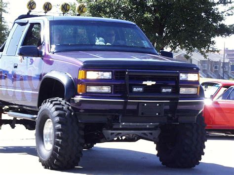 jacked up trucks trucks of jacked up lifted chevy from car shows pictures