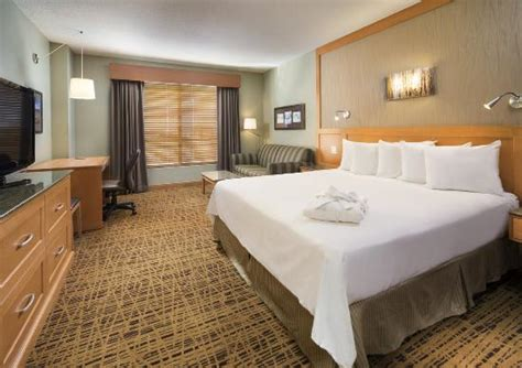2 bedroom suites near mall of america deluxe king bed picture of radisson hotel bloomington by