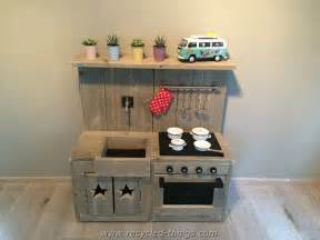 Kidkraft Island Kitchen diy projects with wooden pallets recycled things