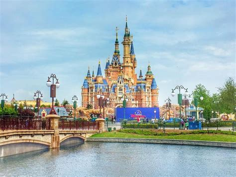 disney shanghai photos from disney s newest park shanghai disneyland