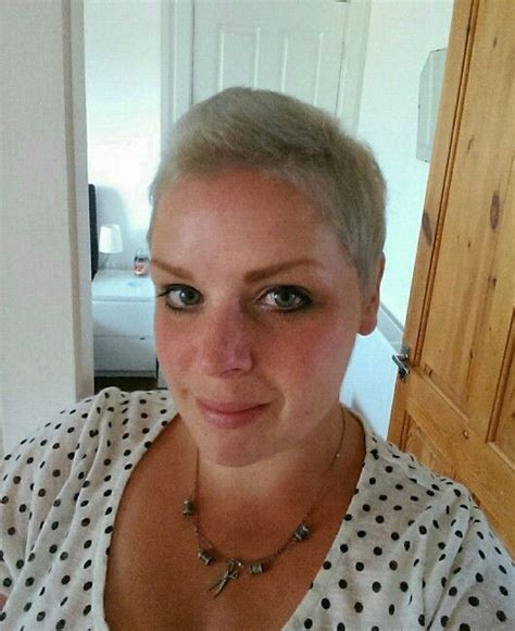 post chemo hairstyles 4 months post chemo had my first cut and colour hip