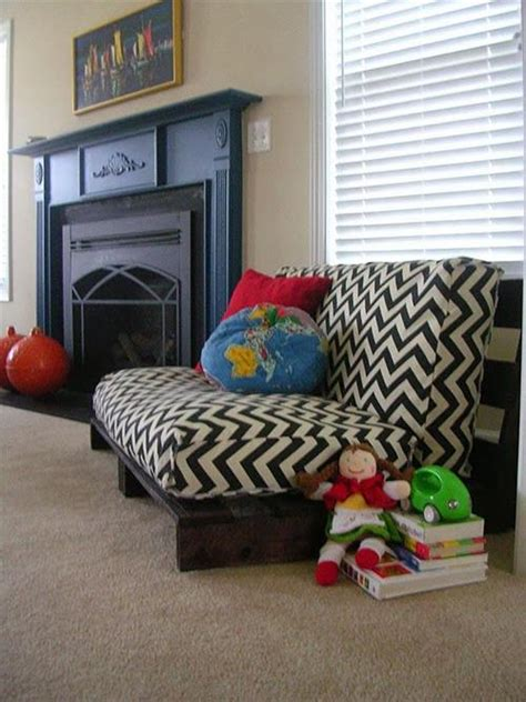 cushion for pallet couch how to make pallet sofa cushions pallets designs