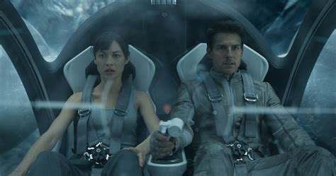 film tom cruise oblivion oblivion blu ray review our review of joseph kosinski s