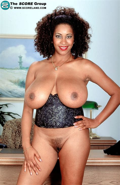 Big Boobs And Big Tits Pics Of Chaka T From Score Land