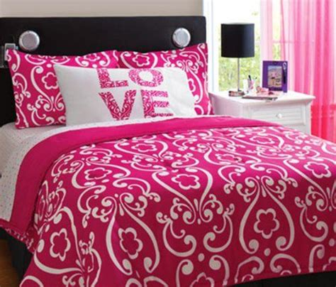 hot pink bedroom set best 25 hot pink bedding ideas on pinterest hot pink room hot pink bedrooms and