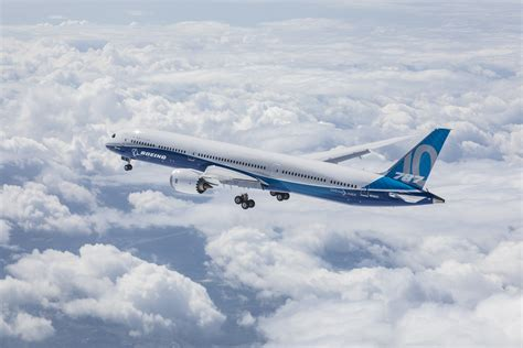 787 dreamliner airplane boeing commercial airplanes boeing 787 10 first flight