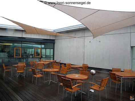 individuelle terrassenüberdachung sonnensegel design terrasse