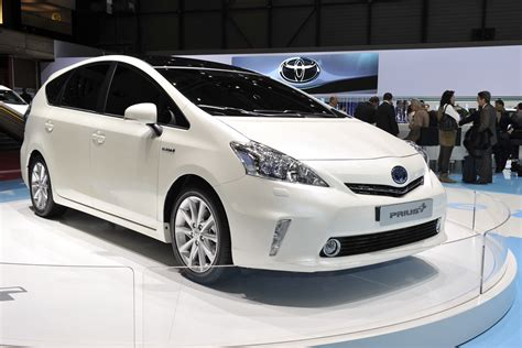 mpv toyota geneva 2011 eu toyota prius mpv gains two more seats