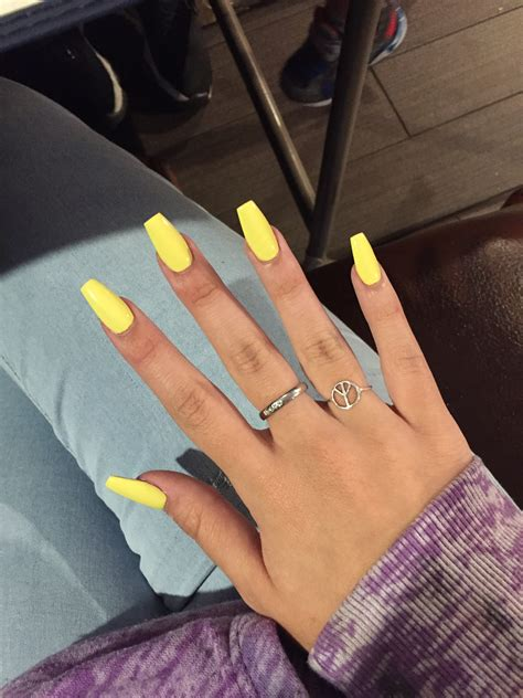 nails designs yellow acrylic and white yellow acrylic nails nails pinterest acrylics makeup and