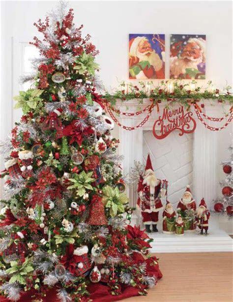 trees decorations  grasscloth wallpaper