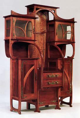 R designs: A quick Art Nouveau vs. Art Deco style