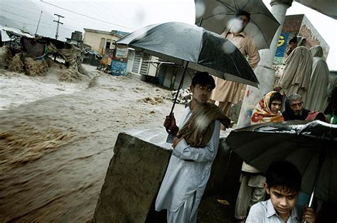 Floods In Pakistan 2010 Essay by The Aftermath Of The Floods In Pakistan Photo Essays Time