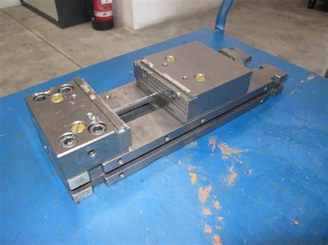 morsa da banco usata morsa modulare in acciaio cutter per centro di lavoro usata