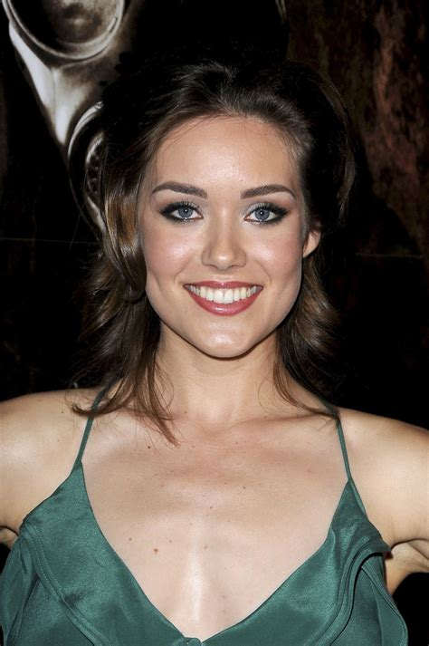 megan boone at bloody 3d premiere celebzz