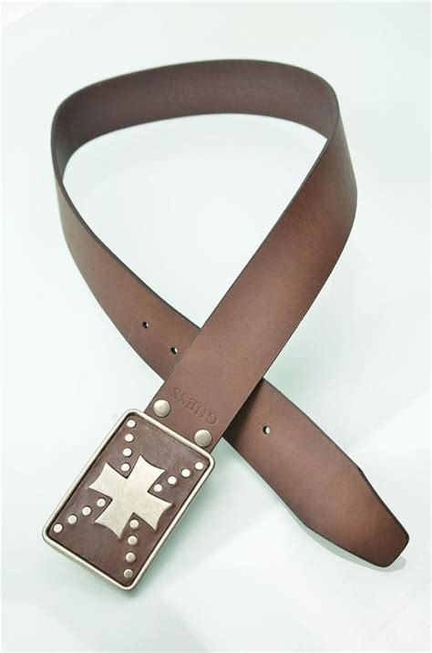 Guess Where This Belt Is From Go On Guess by Guess Belt Mens Nwt Raised Shield Brown Leather Sz 30