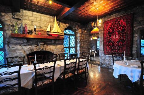 halloween themes restaurant bring in patrons scare them too with a fun restaurant