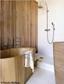 open shower stall like wooden spaces espacios en